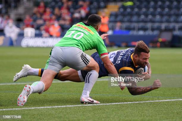 Francois Hougaard of Worcester Warriors scores his teams fourth try during the Gallagher Premiership Rugby match between Worcester Warriors and...