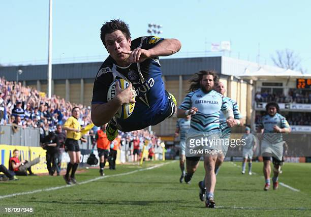 Francois Louw of Bath dives to score the late match winning try during the Aviva Premiership match between Bath and Leicester Tigers at the...