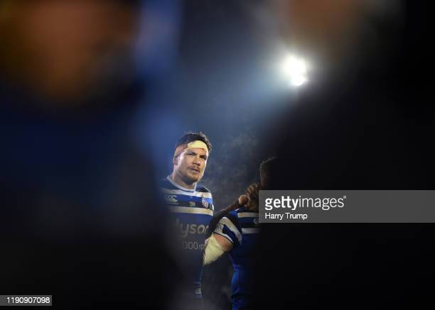 Francois Louw of Bath Rugby looks on in the post match huddle during the Gallagher Premiership Rugby match between Bath Rugby and Saracens at The...