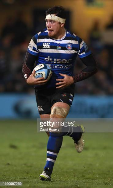Francois Louw of Bath runs with the ball during the Gallagher Premiership Rugby match between Bath Rugby and Saracens at the Recreation Ground on...