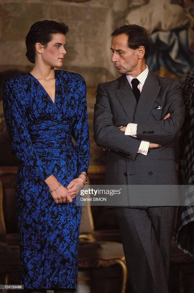 Francois Mitterrand With Fashion Designers At The Elysees Palace In Paris, France On October 18, 1984. : News Photo