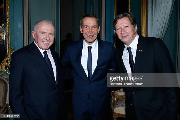 Francois Pinault, Artist Jeff Koons and Galerist Jerome de Noirmont attend the Press conference announcing a donation by artist Jeff Koons who offers...