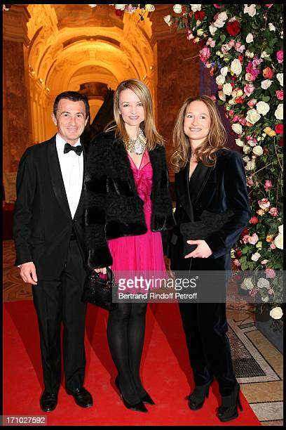 Francois Sarkozy, Delphine Arnault, Consuelo Remmert at The Dinner Hosted At The Petit Palais To Co-Inside With The Retrospective Yves Saint Laurent.