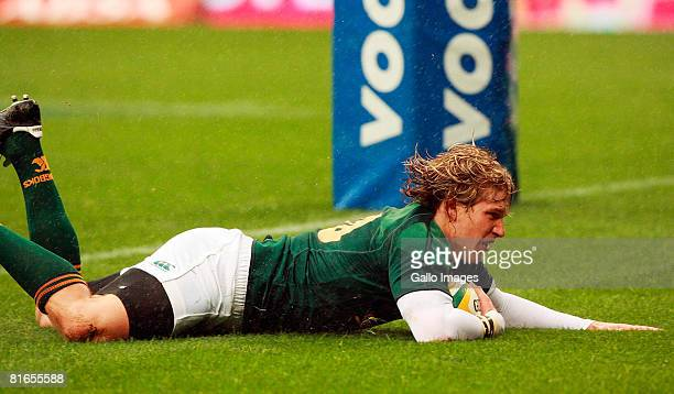 Francois Steyn of South Africa in action during the International match between South Africa and Italy held at the Newlands Stadium on June 21 2008...