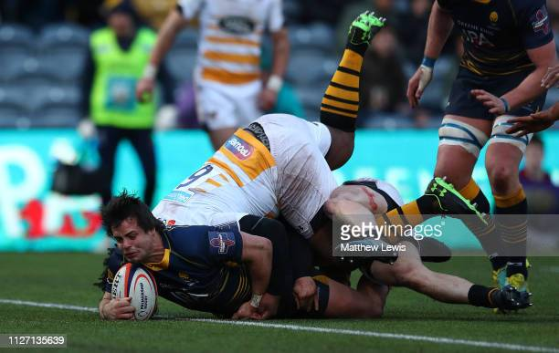 Francois Venter of Worcester Warriors scores a try during the Premiership Rugby Cup match between Worcester Warriors and Wasps at Sixways Stadium on...
