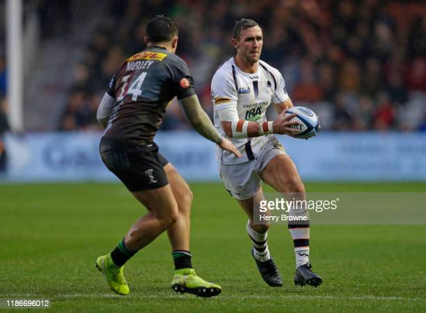 Francois Venter of Worcester Warriors takes on Cadan Murley of Harlequins during the Gallagher Premiership Rugby match between Harlequins and...