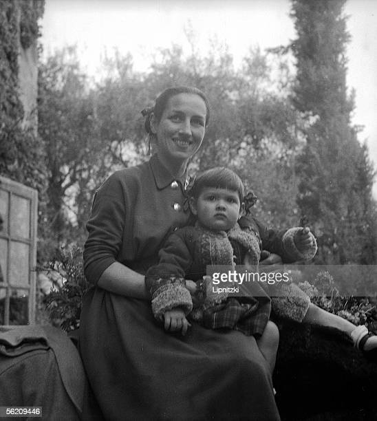 Francoise Gillot partner of Pablo Picasso and her Paloma daughter About 1952