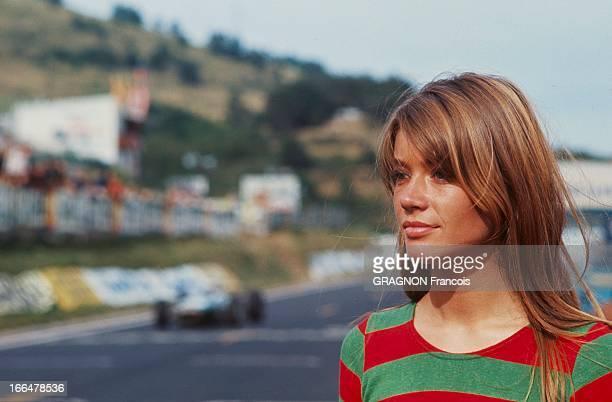 Francoise Hardy Playing In The Film 'Grand Prix'. Dans son troisième film Françoise HARDY joue une beatnik amoureuse d'un pilote automobile italien...