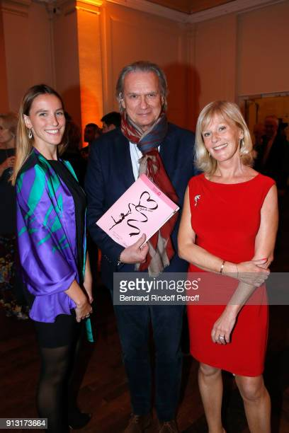 FrancoisEric Gendron standing between Elisa Servier and her daughter Manon de Toledo attend the Heart Gala Evening to benefit the Mecenat Chirurgie...