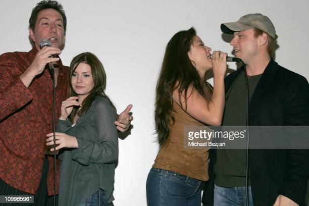 Frank Cappello Elisha Cuthbert Anzu Lawson and Christian Slater sin ging karaoke