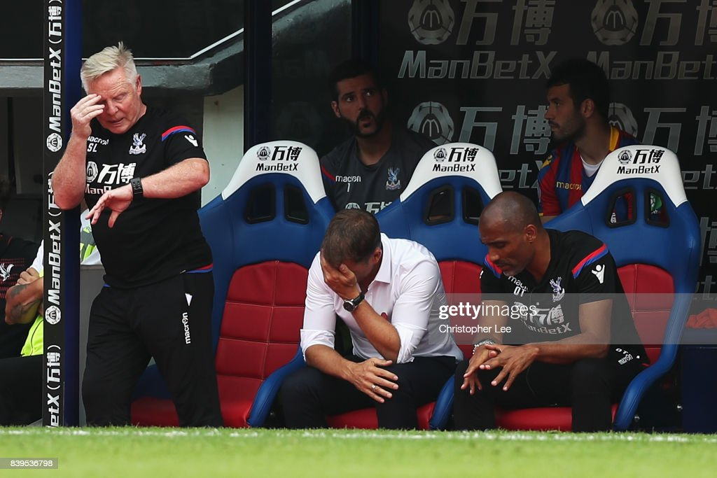 Frank de Boer, Manager of Crystal Palace looks dejected after the Premier League match between Crystal Palace and Swansea City at Selhurst Park on August 26, 2017 in London, England.