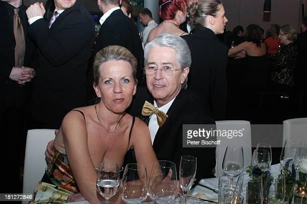 "Frank Elstner, Lebensgefährtin Britta Gessler, 40. Verleihung der "" Goldenen Kamera "" 2005, Berlin, ,"