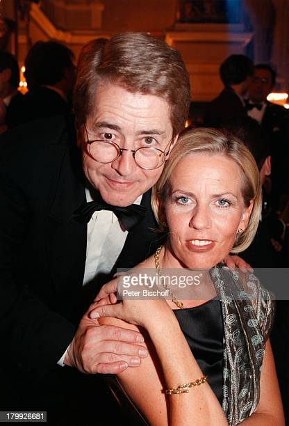 Frank Elstner mit Lebensgefährtin BrittaGessler RTLLöwenVerleihung Der GoldeneLöwe