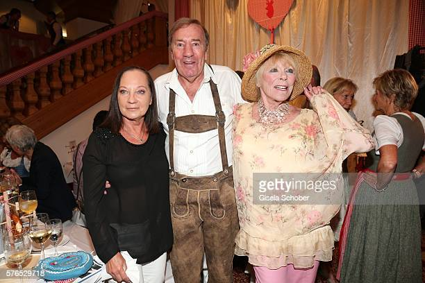 Frank Fleschenberg and his wife Erika and Elke Sommer during a bavarian evening ahead of the Kaiser Cup 2016 on July 15 2016 in Bad Griesbach near...