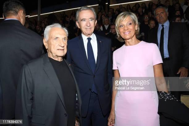 Frank Ghery Bernard Arnault and Helene MercierArnault attend the Louis Vuitton Womenswear Spring/Summer 2020 show as part of Paris Fashion Week on...