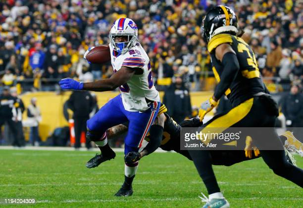 Frank Gore of the Buffalo Bills runs with the ball during the second half against the Pittsburgh Steelers in the game at Heinz Field on December 15,...