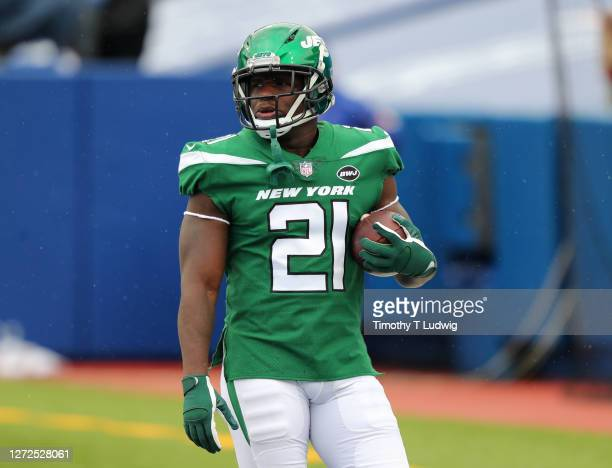 Frank Gore of the New York Jets on the field before a game against the Buffalo Bills at Bills Stadium on September 13, 2020 in Orchard Park, New...