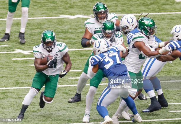 Frank Gore of the New York Jets runs the ball during the first half against the Indianapolis Colts at Lucas Oil Stadium on September 27, 2020 in...