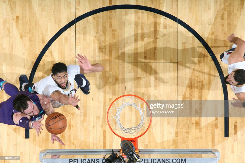 Frank Kaminsky #44 of the Charlotte Hornets shoots the ball against the New Orleans Pelicans on March 13, 2018 at Smoothie King Center in New Orleans, Louisiana.