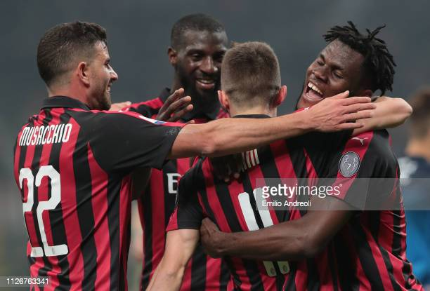 Frank Kessie of AC Milan celebrates his goal with his teammates during the Serie A match between AC Milan and Empoli at Stadio Giuseppe Meazza on...