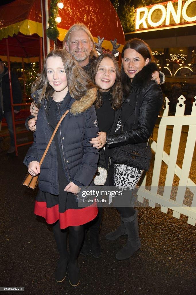 14th Roncalli Christmas Circus Premiere