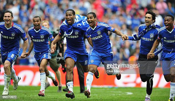 Frank Lampard Ashley Cole Didier Drogba Florent Malouda Paulo Ferreira and Daniel Sturridge of Chelsea celebrate at the end of the FA Cup sponsored...