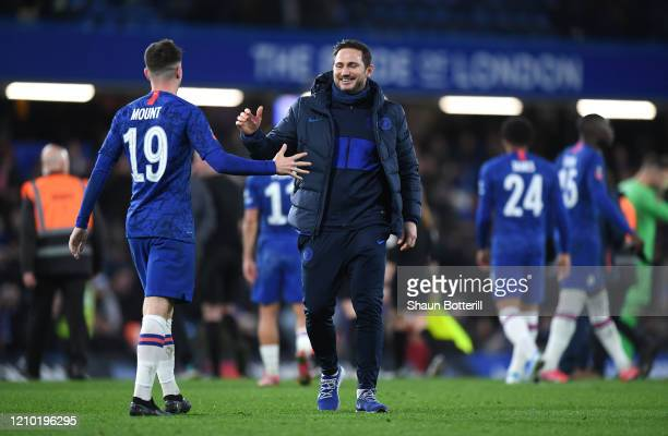 Frank Lampard Manager of Chelsea celebrates with Mason Mount of Chelsea during the FA Cup Fifth Round match between Chelsea FC and Liverpool FC at...