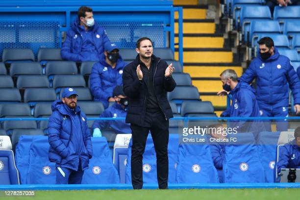 Frank Lampard Manager of Chelsea gives his team instructions during the Premier League match between Chelsea and Crystal Palace at Stamford Bridge on...