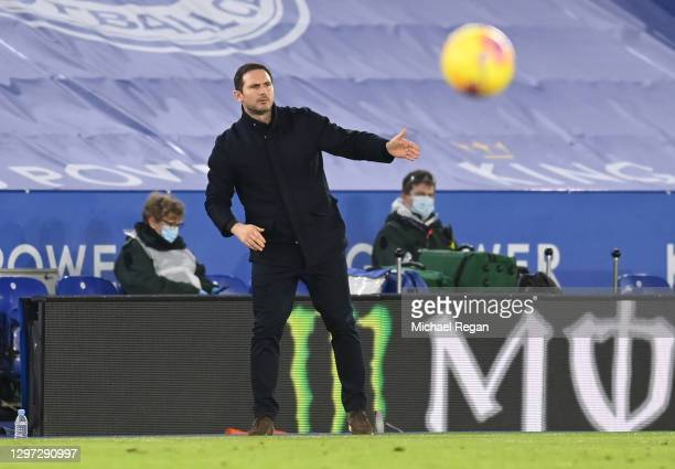 Frank Lampard, Manager of Chelsea gives his team instructions during the Premier League match between Leicester City and Chelsea at The King Power...