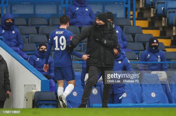 Frank Lampard, Manager of Chelsea interacts with Mason Mount of Chelsea after he is substituted during The Emirates FA Cup Fourth Round match between...