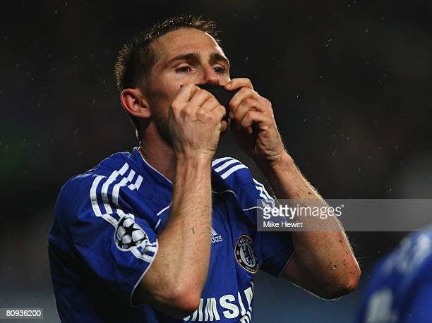 Frank Lampard of Chelsea celebrates as he scores their second goal from the penalty spot during the UEFA Champions League Semi Final 2nd leg match...