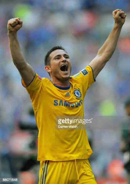 Frank Lampard of Chelsea celebrates victory following the FA Cup sponsored by EON Final match between Chelsea and Everton at Wembley Stadium on May...