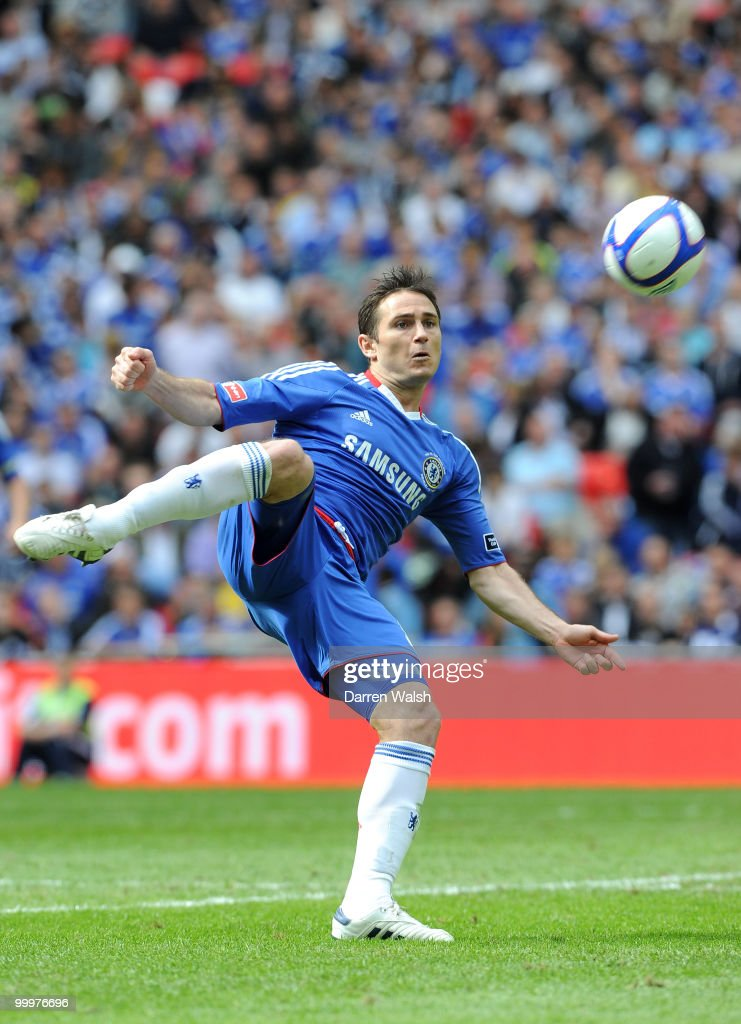 Frank Lampard of Chelsea during the FA Cup final match between Chelsea and Portsmouth at Wembley Stadium on May 15, 2010 in London, England.