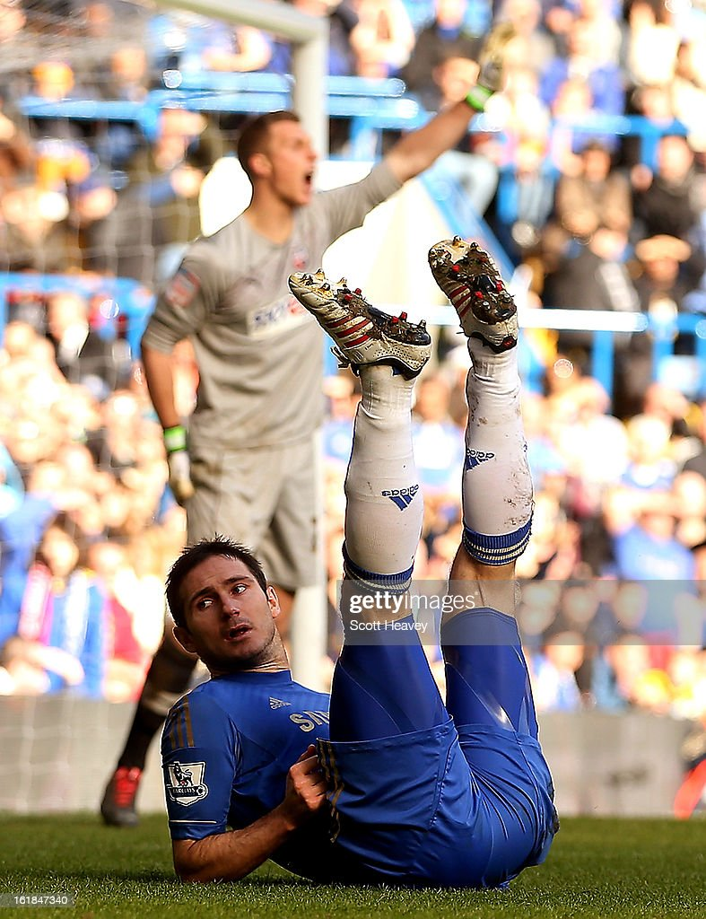 Frank Lampard of Chelsea during the FA Cup Fourth Round Replay between Chelsea and Brentford at Stamford Bridge on February 17, 2013 in London, England.