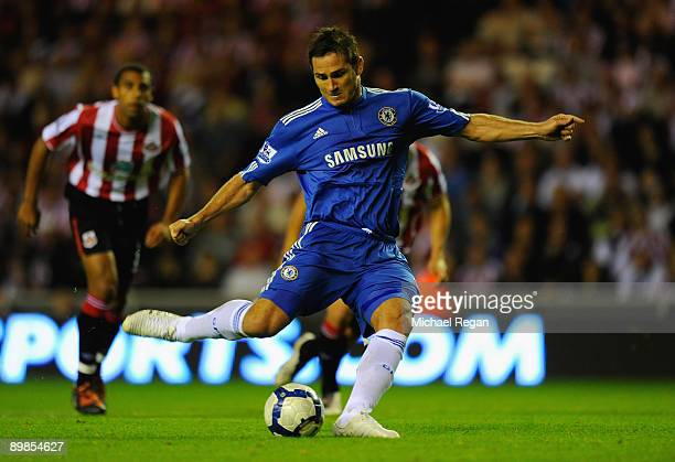 Frank Lampard of Chelsea scores his team's second goal during the Barclays Premier League match between Sunderland and Chelsea at the Stadium of...