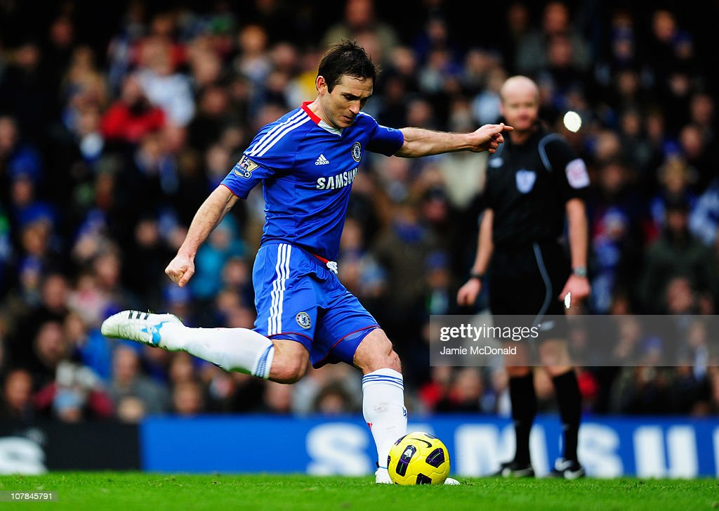Frank Lampard of Chelsea scores their first goal from the penalty spot during the Barclays Premier League match between Chelsea and Aston Villa at Stamford Bridge on January 2, 2011 in London, England.