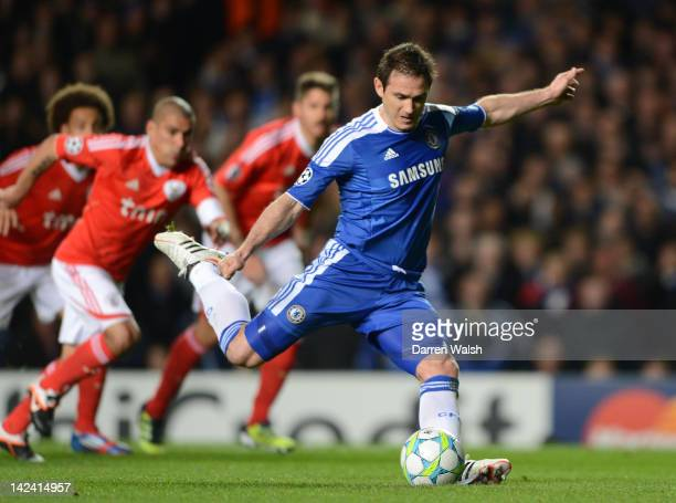 Frank Lampard of Chelsea scores their first goal from the penalty spot during the UEFA Champions League Quarter Final second leg match between...