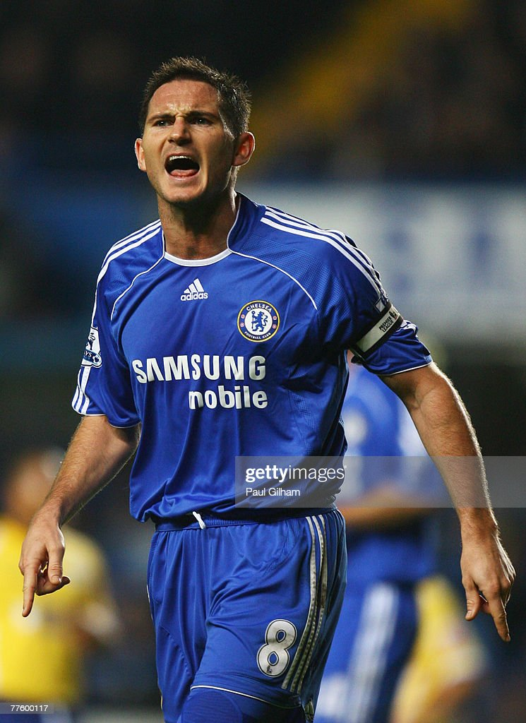 Frank Lampard of Chelsea shouts during the Carling Cup Fourth Round match between Chelsea and Leicester City at Stamford Bridge on October 31, 2007 in London, England.