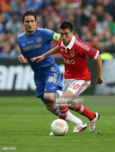Frank Lampard of Chelsea vies with Nicolas Gaitan of SL Benfica during the Europa League Final match between Chelsea and SL Benfica at The Amsterdam...
