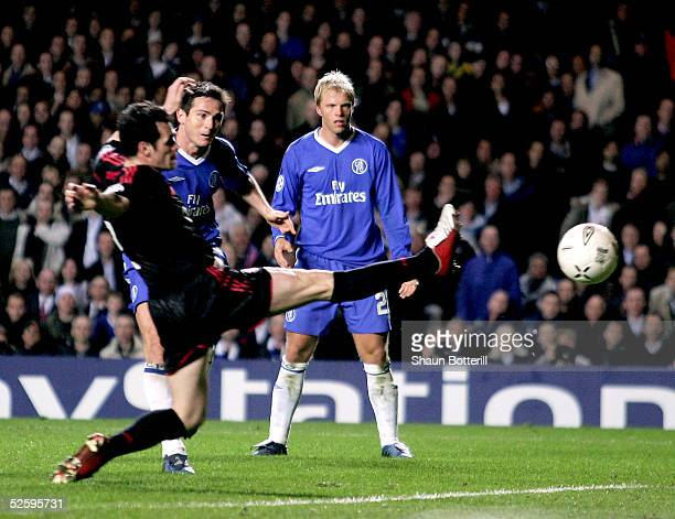 Frank Lampard score his teams second goal during the UEFA Champions League quarter final first leg match between Chelsea and Bayern Munich at...