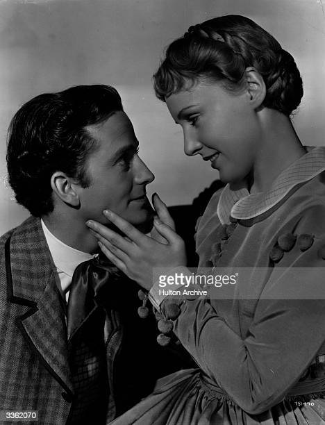 Frank Lawton as David Copperfield and Madge Evans as Agnes in the film 'David Copperfield' directed by George Cukor and produced by MGM