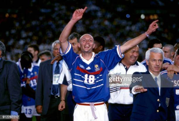 Frank Leboeuf celebrate the victory during the Soccer World Cup Final between Brazil and France on July 12 1998 in Paris Saint Denis France Alain...