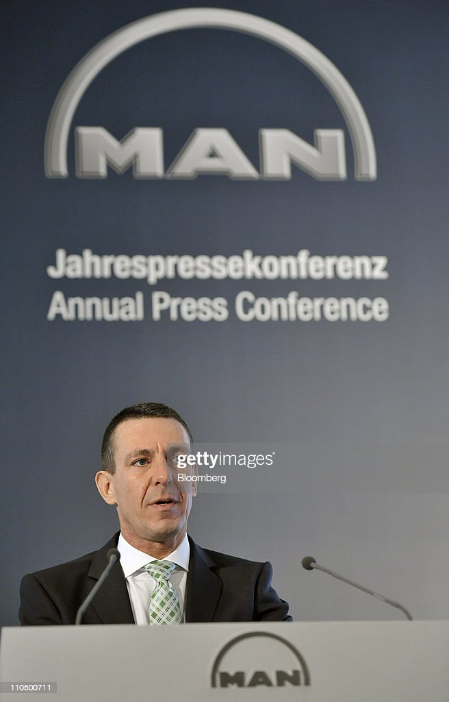MAN SE Results News Conference : News Photo