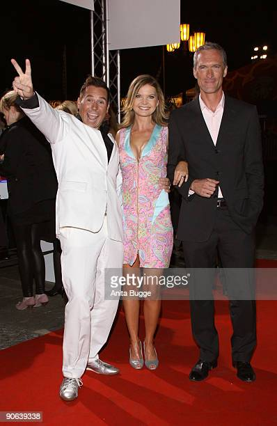 Frank Mathee Eva Imhof and actor Ingo Brosch attend the Reminders Day Aids Gala 2009 on September 12 2009 in Berlin Germany