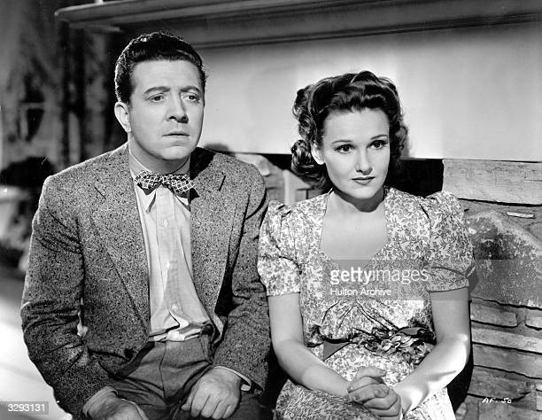 Frank McHugh and Lola Lane star in the film 'Family Reunion' directed by Michael Curtiz for Warner Brothers
