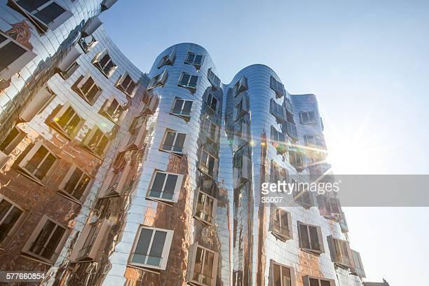 Frank O. Gehrys Neuer Zollhof Gebäude auf MedienHafen und Düsseldorfer