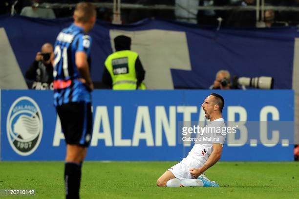Frank Ribery of ACF Fiorentina celebrates after scoring a goal during the Serie A match between Atalanta BC and ACF Fiorentina at Gewiss Stadium on...