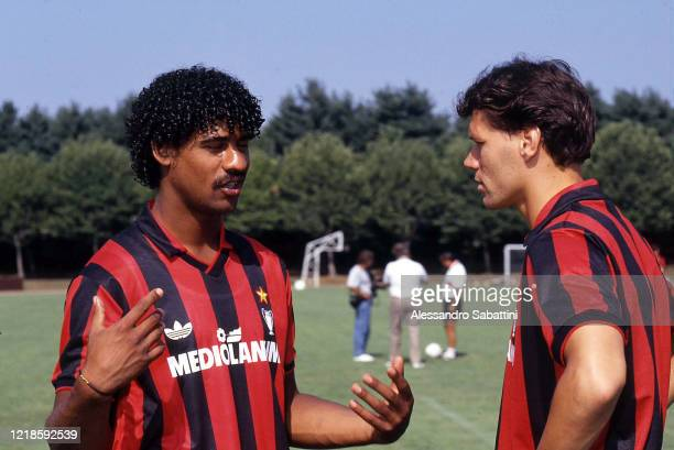 Frank Rijkaard of AC Milan talks to Marco Van Basten during training session, Italy.
