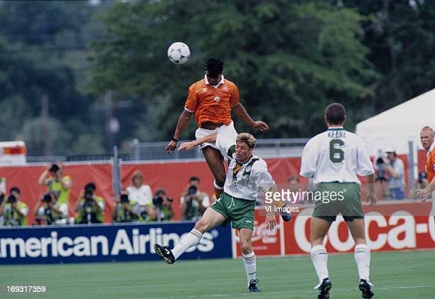 Frank Rijkaard Steve Staunton during the FIFA World Cup 1994 round of 16 match between Netherlands and Ireland om July 4 1994 at the Citrus Bowl...