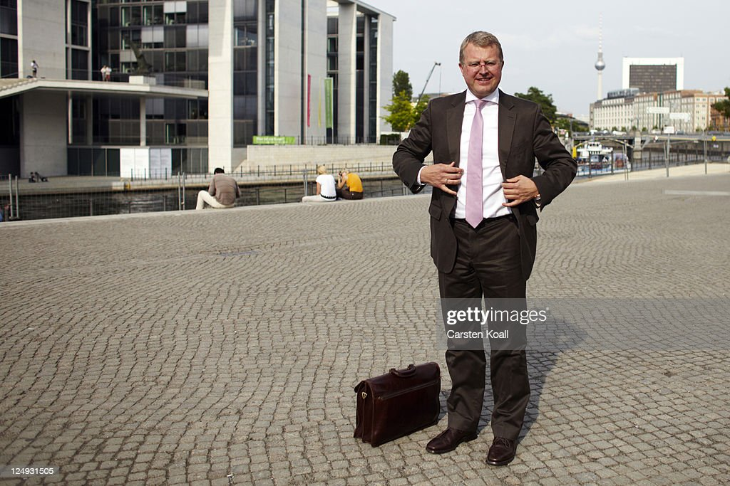 Frank Schaeffler Portrait Session : News Photo